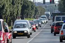 Šňůry aut ve Chválkovické