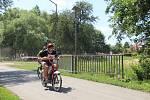Historické motocykly Jawa Pionýr, Babeta a moped Stadion se v sobotu proháněly ulicemi Horky nad Moravou na Olomoucku.
