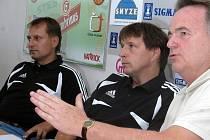 Trenér Pulpit, manažer Chromý a šéf Gajda.