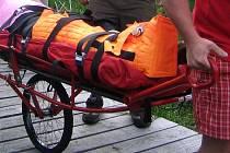Horská služba s tzv. rakouským vozíkem. Ilustrační foto