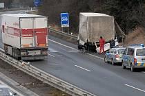 Srážka kamionů na R35 u Křelova