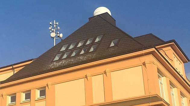 Modernizovaná škola v Náměšti na Hané s observatoří.