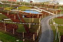 Park u vědeckého centra Univerzity Palackého v olomoucké čtvrti Holice