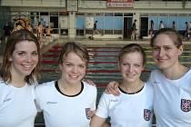 Závodnice KSP Olomouc Petra Dvorská (zleva), Markéta Svozilová, Zuzana Svozilová a Petra Hostinská