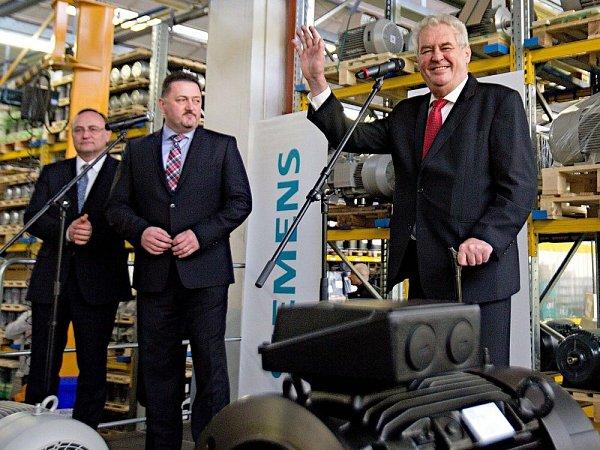 Prezident Zeman na návštěvě vmohelnickém Siemensu