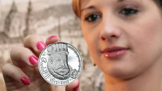 Předlohou lícní strany jedné z trojice medailí se stal obraz Rudolfa II., jehož autorem byl německý mistr Hans von Aachen