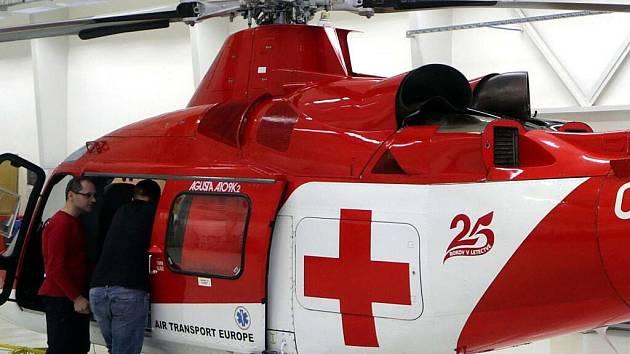 Vrtulník Augusta A109K2 OM-ATD společnosti ATE při představení v Olomouci