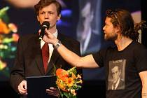 Ceny Olomouckého kraje za rok 2011: klezmer kapela Létající rabín, cenu přebírá vedoucí skupiny Vojtěch Pospíšil.
