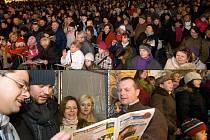 Akce Česko zpívá koledy na olomouckém Horním náměstí