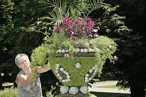 Květinová váza ve Smetanových sadech