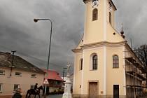 Bystročický kostel se podařilo zachránit.