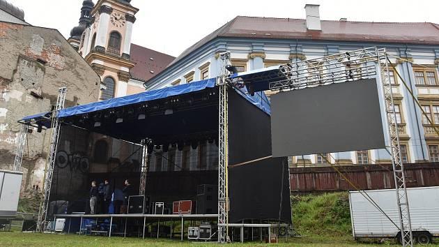 Příprava koncertu Sbohem, pane ministře, 20. 5. 2019