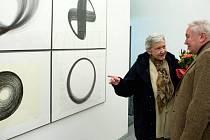 Inge Kosková na vernisáži výstavy svých děl