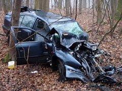 Srážka kamionu a osobního auta u Uničova