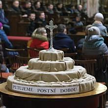 Popeleční středa v olomoucké katedrále sv. Václava