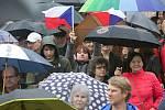 V Olomouci se demonstrovalo proti Babišovi a Benešové, i v dešti