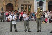 Vojenská hudba zněla v sobotu 1. září centrem Olomouce. Na Horním náměstí, před tamní radnicí, pokračoval XXIV. Mezinárodní festival vojenských hudeb. Na snímku je Vojenská hudba Olomouc