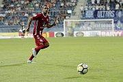 Olomoučtí fotbalisté (v červeném) remizovali se Slováckem 0:0Martin Sladký