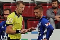Rozhodčí Jiří Houdek v zápase Sigmy Olomouc s Českými Budějovicemi