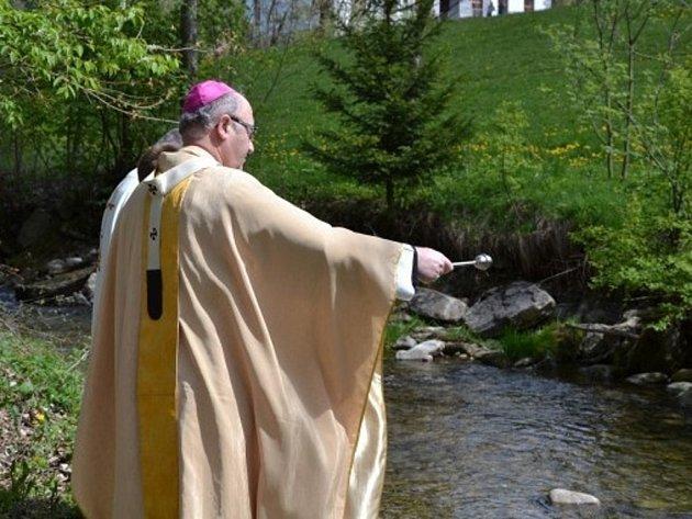 Arcibiskup požehnal moravským vodám