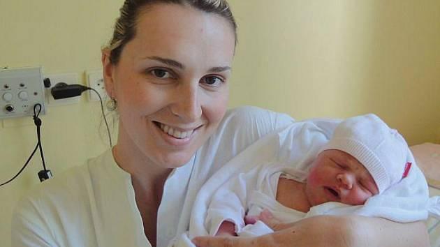 Sofie Čapková, Olomouc, narozena 10. května v Olomouci, míra 52 cm, váha 3760 g