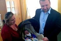 Manželé Jurečkovi a jejich tři děti byli prvními, kteří měli možnost sledovat malého Mikuláše umístěného v inkubátoru Novorozeneckého oddělení Fakultní nemocnice Olomouc prostřednictvím internetu doma či na cestách.