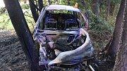 Nehoda a následný požár auta u Jívové