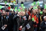 Demonstrace Kdo - když ne my. Kdy - když ne teď, pořádaná komunitou  2018+ Olomouc a Milion chvilek pro demokracii na rohu ulice Křížkovského a Wurmovy.Účastnilo se přibližně dvě stě  obyvatel.