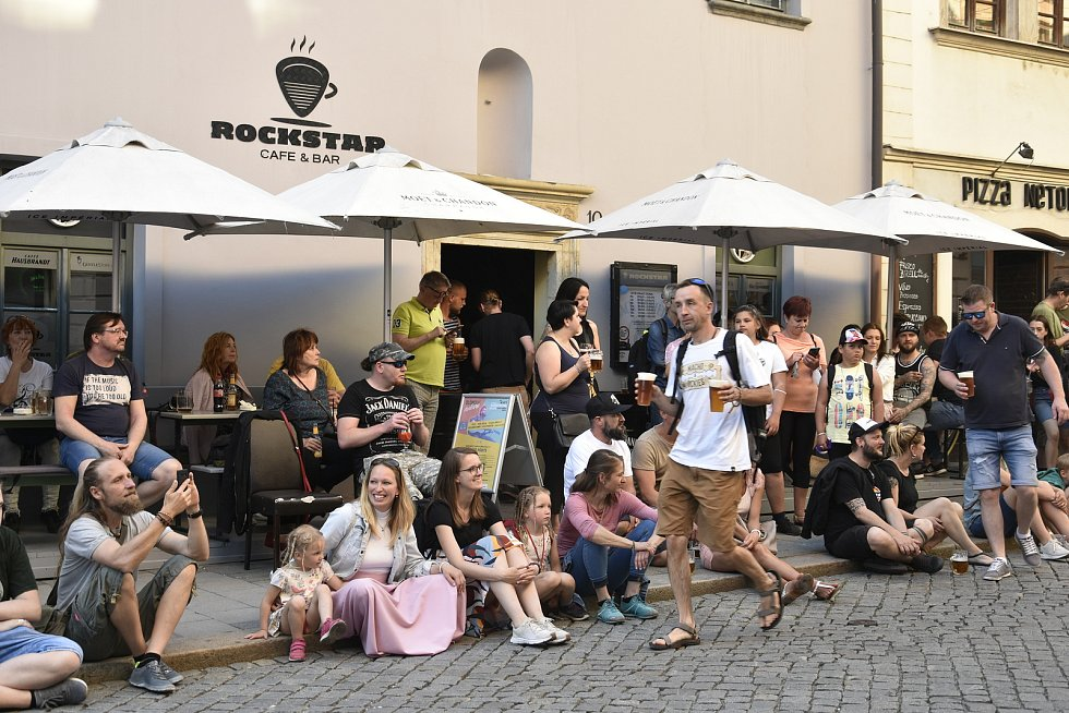 Olomouc (o)žije. Průchodový hudební festival v ulicích města, 4. 6. 2021