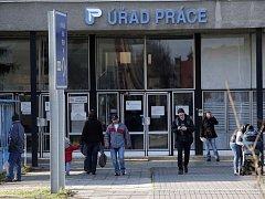 Olomoucký úřad práce zažívá po Novém roku velký nápor