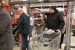 Předvánoční otevření nového nákupního centra v Přerově