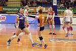Páté rozhodující finále extraligy mezi volejbalistkami Prostějova (ve světlé) a Olomouce