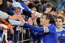 Fotbalisté Sigmy se zdraví s fanoušky