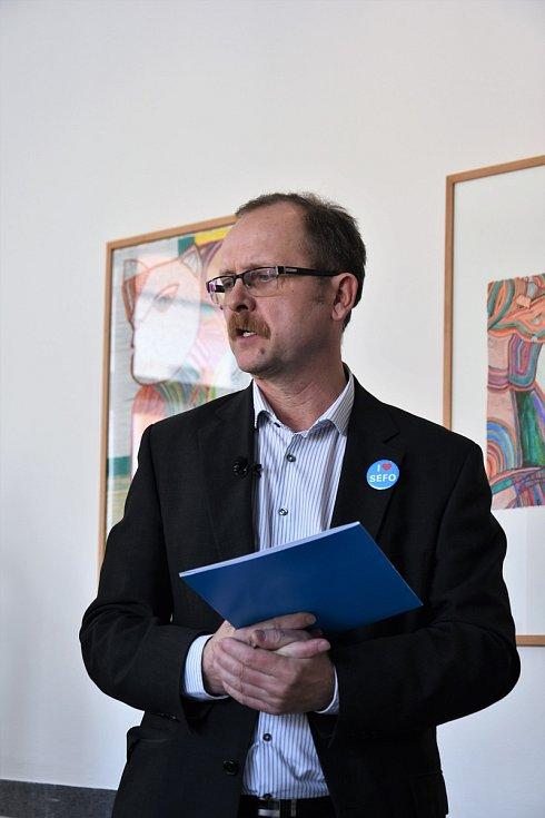 Tisková konference k výstavě obrazů Václava Ciglera v Muzeu umění Olomouc - ředitel muzea Michal Soukup