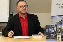 Autorské čtení olomouckého spisovatele detektivek Michala Sýkory ve Vědecké knihovně