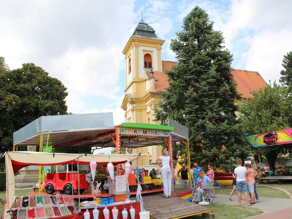 Do Štěpánova na Olomoucku od pátku do neděle mířily tisíce lidí na tradiční svatovavřinecké hody.