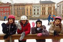 Začátek vánočních prázdnin na kluzišti na Dolním náměstí v Olomouci