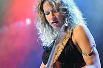Srbská bluesová kytaristka a zpěvačka Ana Popović