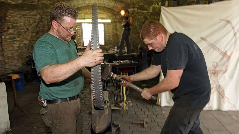 Umělečtí kováři z Pensylvánie na Helfštýně