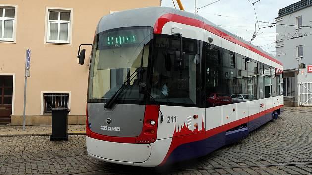 Nová tramvaj EVO 1 v Olomouci.