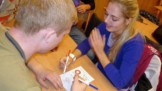 pIšQworky: turnaj v piškorkách na elektro průmyslovce v Olomouci