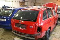 Dílny a skladovací prostory, které využíval gang zlodějů aut z Prostějova