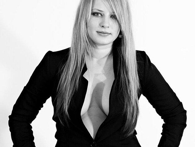 č. 15 Andrea Rozehnalová, 23 let, studentka, Brumov-Bylnice