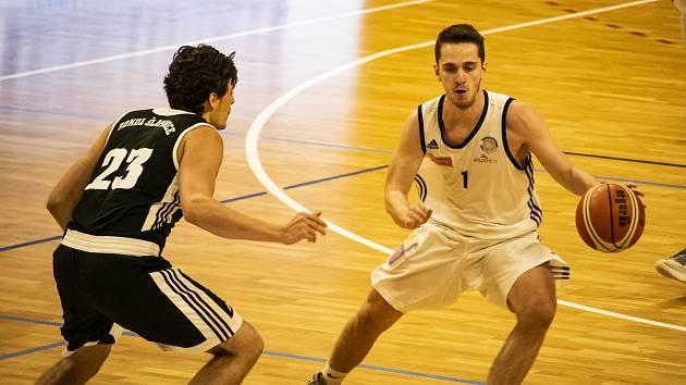 Basketbal Olomouc přejel Šlapanice o 26 bodů c0d4fcf088