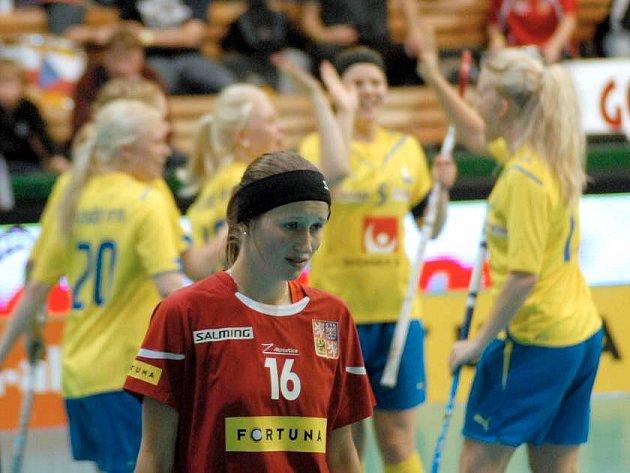 Semifinále florbalového MS juniorek: Česko vs. Švédsko