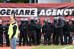 Strážci pořádku na Andrově stadionu