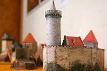 Výstava modelů hradů, zámků a církevních památek na hradě ve Šternberku