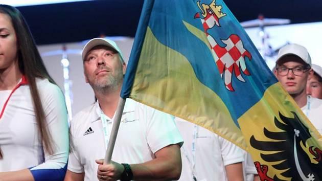 Trenér Tomáš Bank, vlajkonoš výpravy Olomouckého kraje na ODM.