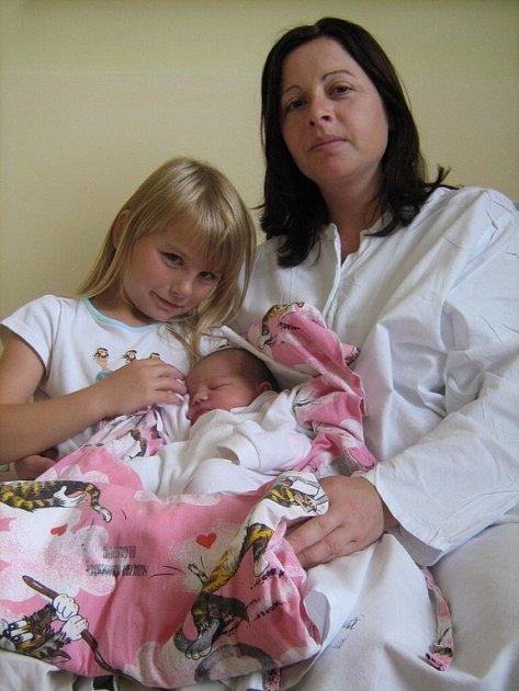Monika Sládková, Grygov, narozena 23. července v Olomouci, míra 51 cm, váha 3380 g