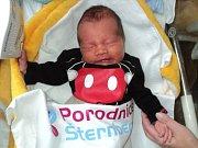 Matyas Engel, Chromeč, narozen 9. prosince, míra 48 cm, váha 2820 g